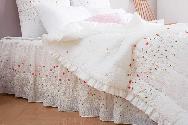 Mẫu chăn mền audrey màu hồng