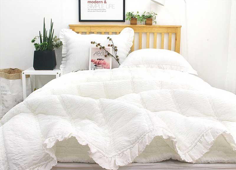 Bộ chăn mền cao cấp thuê hoa Ravina màu trắng